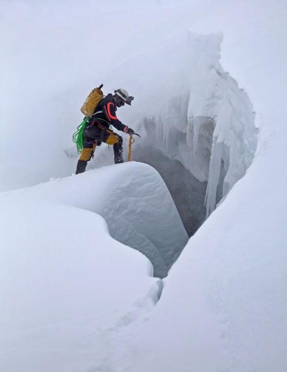 14_snow_dragon_cave_entrance_eddy-cartaya_jan_538